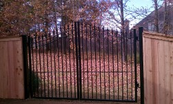 Greater Memphis Area, Memphis, TN, Fence Installation, Memphis Fence Companies, Fence Companies, Fence Repair, Fence Construction, Fence Building, Residential Fencing, Commercial Fencing, Chainlink Fences, Wood Fences, Cedar Fences, Pine Fences, Horse Fences, Custome Design Fencing, Fence Contractors